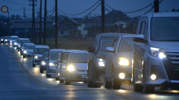 japan-earthquake-evacuation